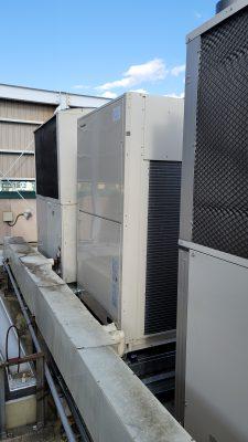 業務用電気式エアコン室外機
